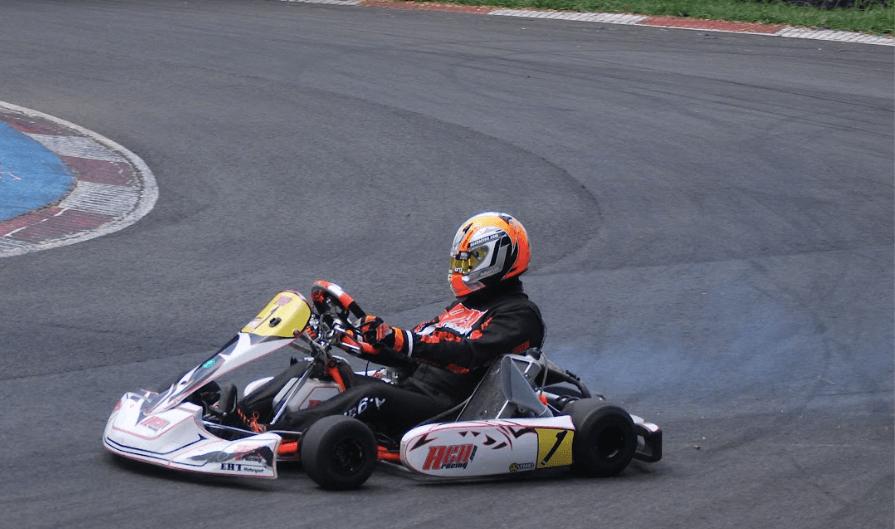 material necesario para andar en karting AGA Racing tienda karting